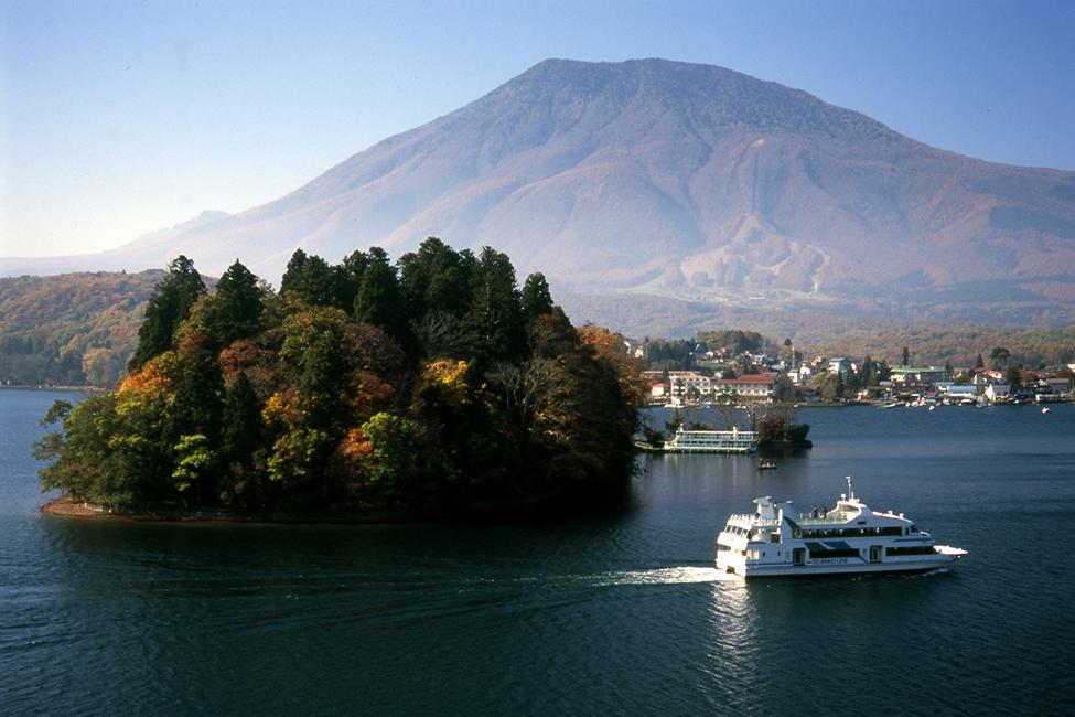 Lake Nojiri 15 minutes by car